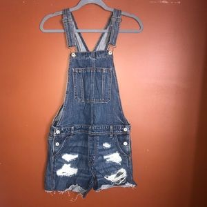 American Eagle 🦅 Short tail Overalls